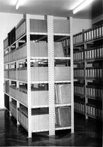 Regaleinheit des Stadtarchivs im Dachboden des Alten Rathauses, Hauptstraße 19 (1966 - 1994)