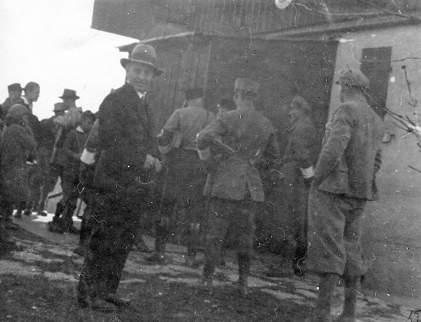 Abb.11: Landjäger und SA vor der Immenreute, 26.03.1933