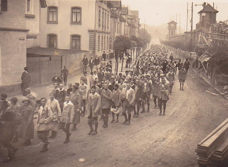 Abb.9: Hausweihe und Festumzug in Geislingen, 17.07.1927